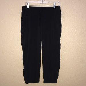 Sz 4 Athleta Black Drawstring Crop Pants